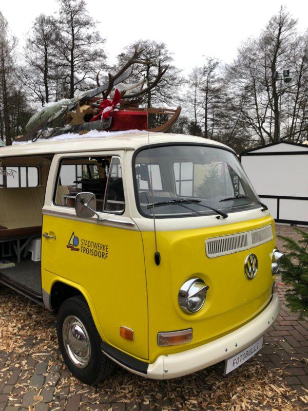 Visual Merchandising: Auto mit Dekoration Troisdorf